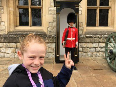 Mein Besuch in London Ostern 2019. Ich hab versucht den Soldaten zum lachen zu bringen, leider ohne Erfolg...!  Köln, Gymnasium Kreuzgasse