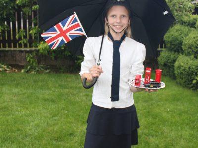 Friedberg, Staatliches Gymnasium Friedberg  Blonde Bobbine bei typisch englischem Wetter