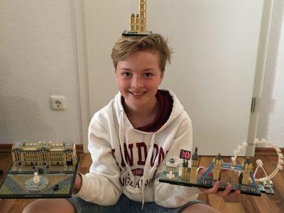 Wenn ich in Zeiten von Corona schon nicht nach London fahren kann, dann hole ich mir London aus Lego ins Wohnzimmer :-) #einbisschenspaßmusssein  Joshua (12), Paderborn, Gymnasium St Michael