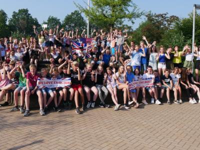 Big Challenge macht Freude! Stolze Schüler der 7. Klassen des Emsland Gymnasiums Rheine