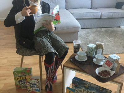 Neuss, Nelly-Sachs-Gymnasium, I´m Sophia, the crazy Queen of England- it´s tea time in mini Buckhingham Palace -  #stayhome