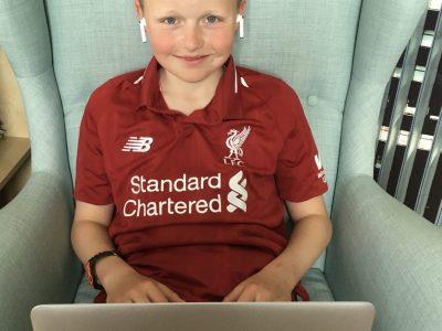 Freital, Gymnasium Wilsdruff, Philipp Linke  Kommentar: In meinem Lieblingstrikot vom FC Liverpool macht English lernen doppelt so viel Spaß :-)!!!!