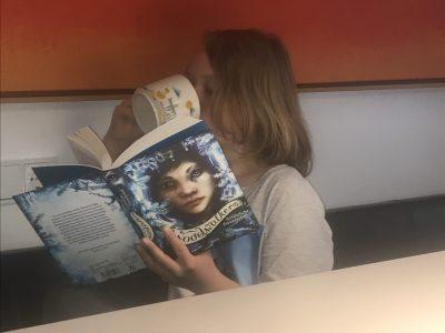 Thomasschule zu Leipzig  Ich mit Buch und Englischen Tee