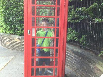 Stadtteilschule Walddörfer Hamburg Volksdorf  Here I am in London in a telephone booth!