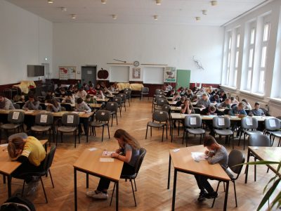 """7. Mai 20219, Grundschule """"Lenné"""" Frankfurt(Oder) 65 Teilnehmer aus den Klassen 5 und 6 arbeiteten konzentriert an ihren Aufgaben"""