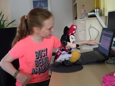 Stadt: Rüsselsheim Schule: Immanuel-Kant-Schule  Kommentar: Preparing Minnie Mouse for the big challenge...
