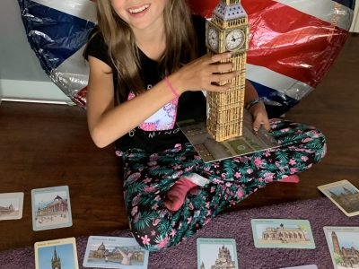 """Gymnasium Lilienthal in 28865 Lilienthal: """"Trotz Corona ermögliche ich es mir nach London zu reisen und den Big Ben zu berühren. London ich komme! Nichts und niemand hält mich auf! Die Reise beginnt. Alles voller Abenteuer. Also worauf wartest du noch? Komm mit mir nach London!"""""""