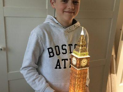Name: Ben Fischer Stadt: Radevormwald  Schule: Theodor-Heus-Gymmnasium  Foto: Der leuchtende Big Ben