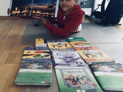 Bad Homburg Kaiserin - Friedrich - Gymnasium  Die Bücher die mir geholfen haben Englisch Sprache zu lernen und die English Tour Stadt (London) die mir spaß gemacht hat.