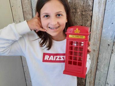 Janna E.-Talai, JAG Emden  Mein Wunsch ist einmal aus so einer Telefonzelle jemanden anzurufen und generell einmal in London zu sein