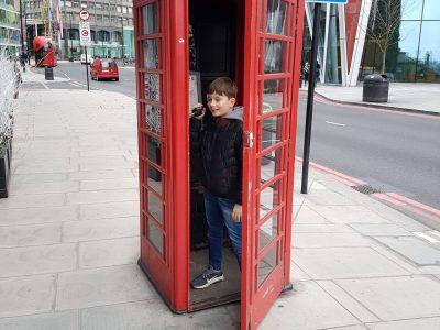 Frankenthal  Albert Einstein Gymnasium  Auf diesem Bild bin ich in einer Telefonzelle in London