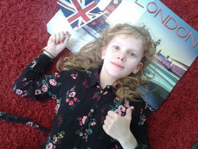Meine Schule ist die Friedrich-Wilhelm-Schule in Eschwege.  Leider war ich noch nie in London, aber wenn uns Corona nicht in die Quere gekommen wäre, wären wir in diesem Sommer mit der Familie nach London geflogen. Nun muss ich in Gedanken nach London fliegen. Die Flagge habe ich ja schon...