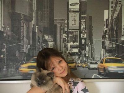 95643 Tirschenreuth Stiftland Gymnasium Tirschenreuth  Das bin ich mit meiner Katze Teddy, einer brittisch Langhaar :D LG Laura