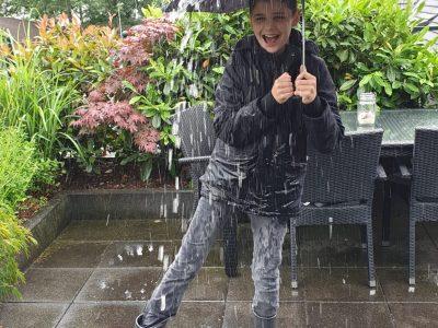 Mülheim an der Ruhr, Gymnasium Heißen Es ist ein regnerischer und toller Tag - It is a rainy and funny day :-)  Leon Kampermann, 5B