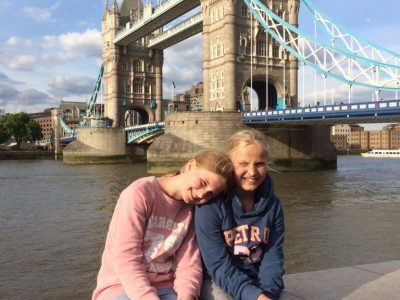 Städt. Gymnasium Ochtrup  Auf dem Bild bin ich mit meiner Schwester 2018 an der London Bridge gewesen. Wir waren für drei Tage dort und haben viel erlebt. LG