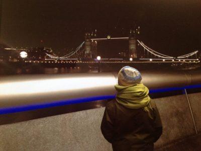Aachen Kaiser-Karls-Gymnasium   Tower Bridge bei Nacht mit mir :-)
