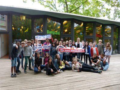 "Berlin - Grundschule auf dem Tempelhofer Feld -  ""We are the Best!"""