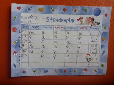 Herderschule Lüneburg  Ein Stundenplan hat mit En zu tun, weil auf ihm das Fach Englisch steht