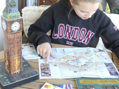 Fürstenfeldbruck Viscardi Gymnasium  Nach dem ich momentan leider nicht verreisen kann, durchlebe ich unsere letztjährige Londonreise noch einmal mit Hilfe der Karten. Vor allem Tower, Kew Garden und Big Ben haben mir besonders gut gefallen.