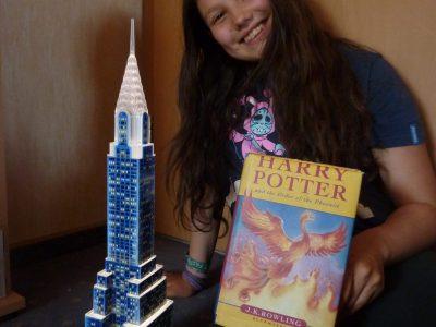 Ich bin auf der KAS in Petersberg und mag englische Bücher. Harry Potter ist aber noch recht schwer zu lesen!