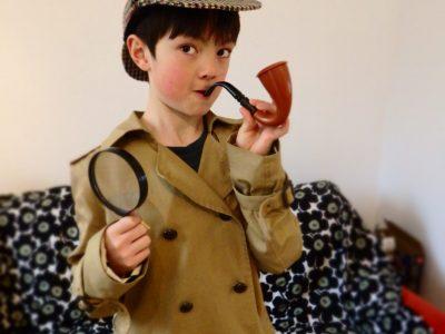 Berlin Katharina-Heinroth-Grundschule  I am Sherlock Holmes.I can solve anything.
