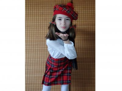 Neckargemünd, Gymnasium Neckargemünd, Ich bin in Schottland geboren, darum wollte ich euch eine schottische Grüße schicken!