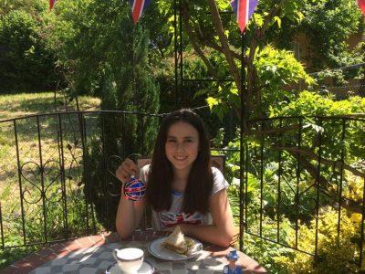 Donauwoerth Realschule Heilig Kreuz Tea time with the Queen. I love Great Britain