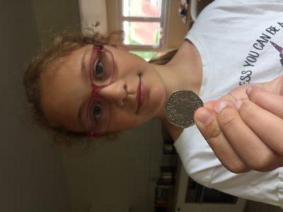 Meiningen, Henfling Gymnasium Ich habe eine englische Münze gewählt, da ich sie mit England und Englisch verbinde.