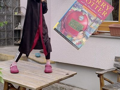 Nürnberg/Sigmund-schuckert-Gymnasium   Wingardium leviosa Harry Potter says if he wants to fly.