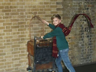 Potsdam Humboldt Gymnasium Potsdam   So Taucht man in die Welt von Harry Potter ein.