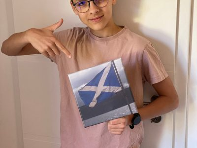 Frankenthal, Albert Einstein Gymnasium  Die Fahne haben wir bei Loch Ness fotografiert. Leider können wir dieses Jahr wegen der Pandemie nicht wie geplant wieder nach Schottland fliegen :(