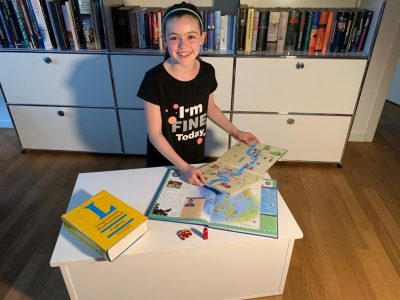 DÜSSELDORF HUMBOLDT-GYMNASIUM  Sara's English lesson - I'm fine today :-)