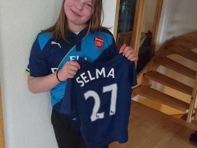 WEISSACH Selma  ich habe mich für das Arsenal Trikot entschieden weil mein Cousin früher bei Arsenal gespielt hat!