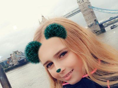 Rheinberg, Amplonius Gymnasium  Hier bin ich vor der Tower Bridge zu sehen, als ich letztes Jahr im Oktober in London war (Amy Dahmen, 7b)