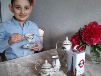 """Erwitte, städtisches Gymnasium Erwitte Kommentar zum Bild: """"Tea time with me!"""""""