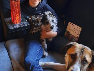 Stadt Düren Bischöfische St. Angela Schule Nach The Big Challenge mit meinen Hunden auf der Couch von Connor Heck
