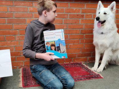 "Wiedau-Schule Bothel ""How to teach my dog the english language"""