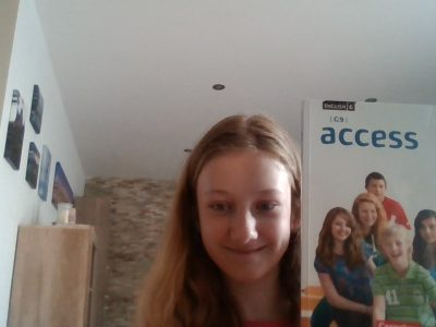 Stadt: Rees Schule: Gymnasium Aspel   That  English book helps me to understand English better.  I like English.