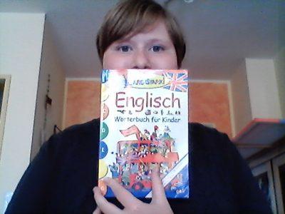 Bremen, Wilhelm Olbers Schule. Ich habe mein altes wörterbuch für KInder aus der Grundschule gefunden vor einigen Tagen und habe dort drinnen wieder schöne erinnerungen entdeckt.