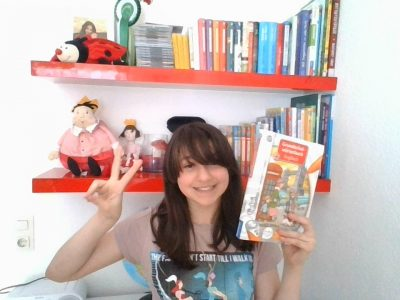 Ich bin Elene aus Köln . Mein Lieblingsfach  ist Englisch und ich habe ein Tiptoi Buch was sehr gut ist,sich in Englisch zu verbessern !