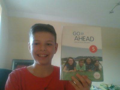 Donauwörth Realschule Heiligkreuz   Ich mit meinem Englisch Buch!