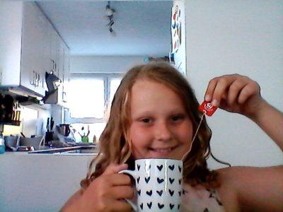 Erftstadt Gymnasium Lechenich  It's tea time :-)  Pia Otten