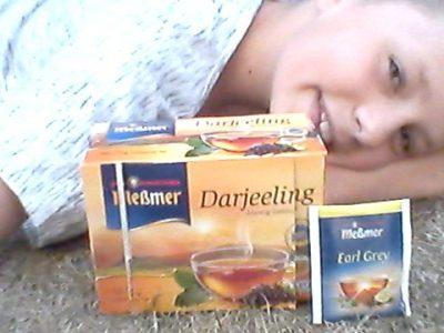 I like tea.Die Großbretania trinken sehr gerne Tee vor allen Dingen schwarzen und Earl Grey Tea.   Stadt:Solingen  Name der Schule:Gymnasium Schwertstraße