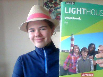 98673 Waffenrod                                                                                  Staatliche Otto Ludwig Regelschule Eisfeld    Ich mit meinem LIGHTHOUS 1 Workbook. Es hilft mir englisch zu lernen.