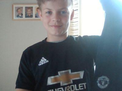 SMG Leiferde    Auf dem Bild sehen Sie mich mit einem Manchester United Trikot