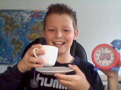 """""""tea time"""" von Anton Häcker aus Geislingen Michelberg-Gymnasium"""