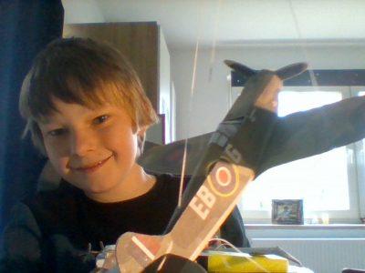 Gefrees,JES Realschule  Laurenz mit einem Britischen Modellflugzeug
