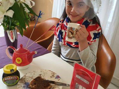 Ratingen, Kopernikus Gymnasium. Just a regular day drinking cream tea with marmite toast and cadburys chocolate. What a lovely morning! #big challenge #british weirdo