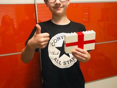 Bottrop, Josef-Albers-Gymnasium Flagge von England aus Lego
