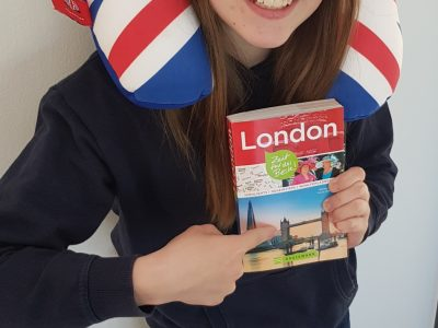 Hello, My name is Maria . I`m from Idstein. My school is the Pestalozzischool. London is cool.I like English. Yours Maria